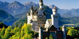 Lihat Neuschwanstein Linderhof Royal Castle & Oberammergau Tour From Munich