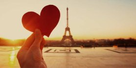Lihat Eiffel In Love